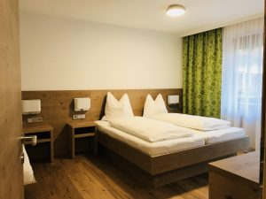 Foto vom Schlafzimmer des Siebenschläfer Apartments im Hubenhof