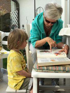 Leben in der Großfamilie – Merlin mit Oma Elke