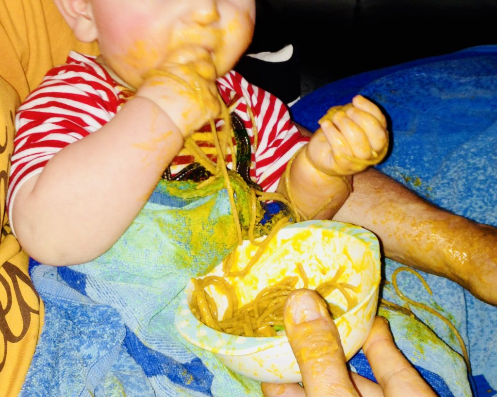 Beikost ohne Brei – Merlin ist selbstständig Spaghetti