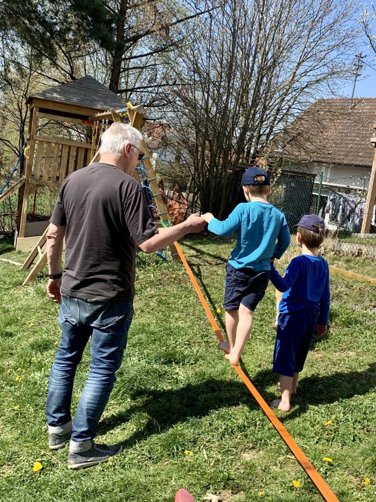 Kommunikation mit Kindern – gemeinsam auf der Slackline