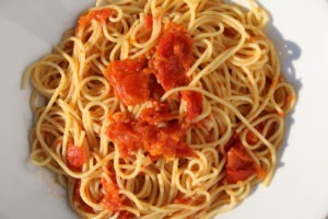 Tomatensosse selber machen – Spaghetti mit Tomatensossen