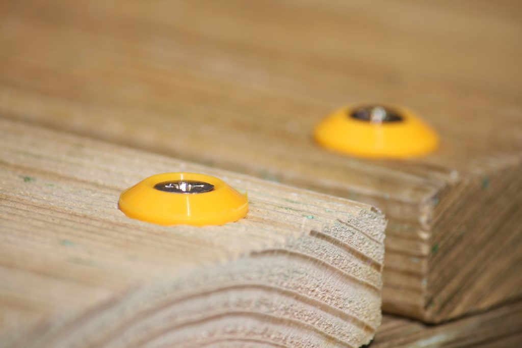 Urlaub zu Hause – Schrauben in Holz