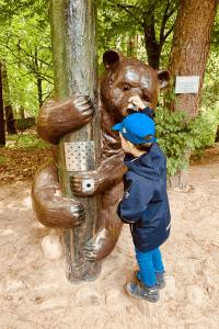 Wildpark Lüneburger Heide – Merlin am Erklär-Bär