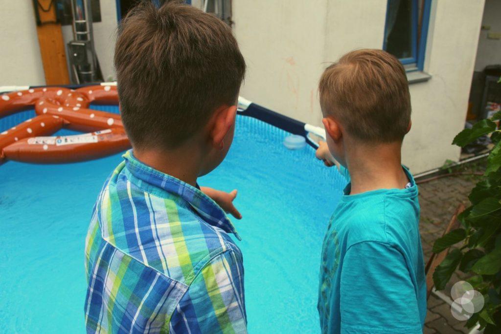 Schatzsuchen für Kinder – Suche im Pool